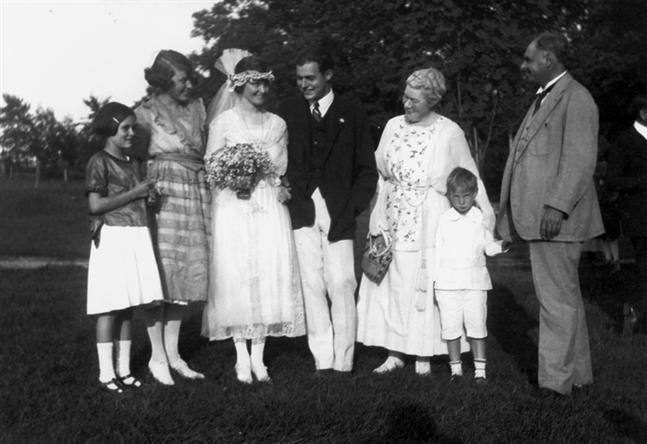 Hadley and Ernest Hemingway wedding